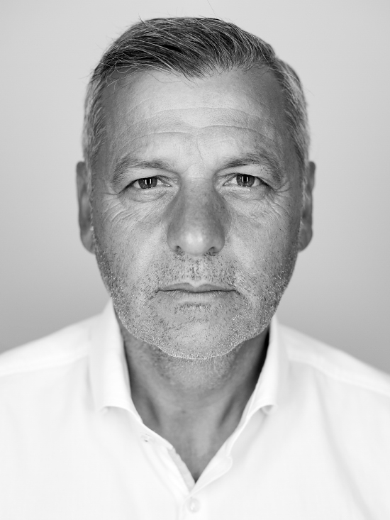 http://felixledru.fr/files/gimgs/th-11_book_portraits_20_v2.jpg